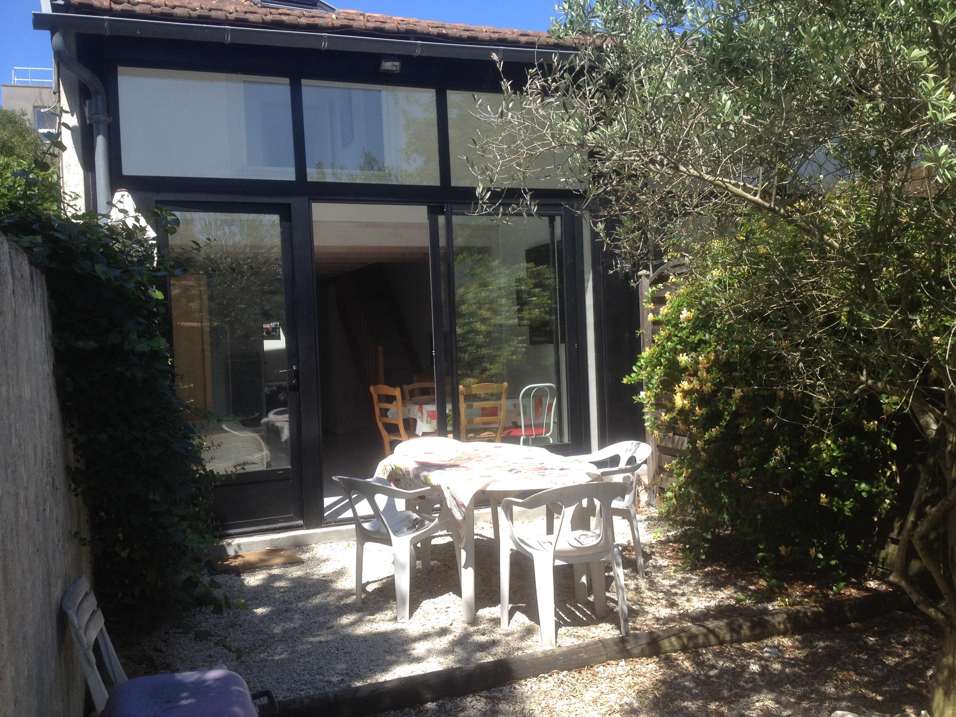 Maison loft 1 t3 55 m2 loft gauche la rochelle location meubl e la rochelle 1km - Location meublee la rochelle ...