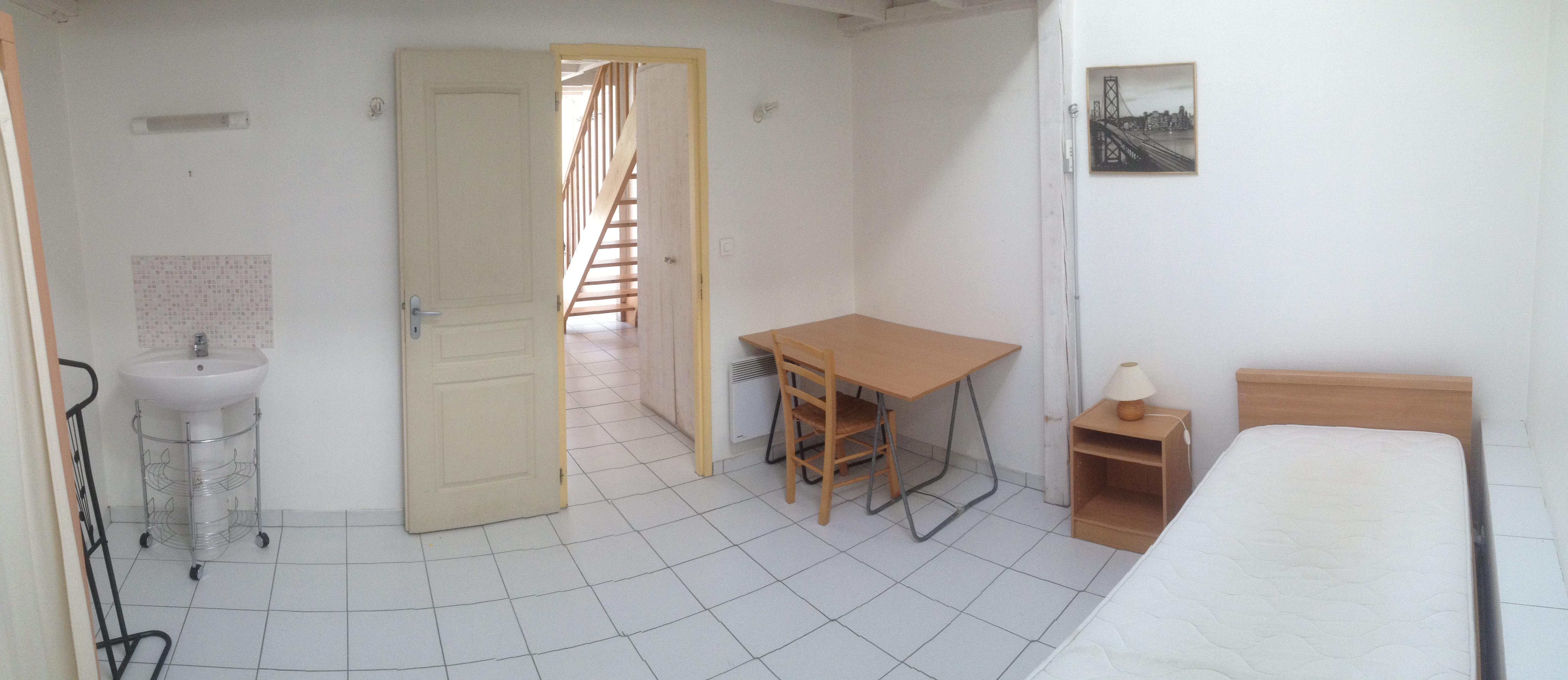 maison loft 2 t3 55 m2 loft droit la rochelle location meubl e la rochelle 1km. Black Bedroom Furniture Sets. Home Design Ideas